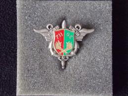 """Insignes Militaire """"711ème Groupement Des Essences"""" -  Military Badges - - Armée De Terre"""