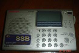 Poste Radio Sangeon ATS 505.Etui D'origine.TBE Parfait état De Fonctionnement.4 Piles LR6. - Appareils