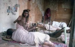 60s ORIGINAL AMATEUR 35mm NEGATIVE STREET SCENE NEPAL INDIA ASIA NOT PHOTO NEGATIVO NO FOTO - Photography