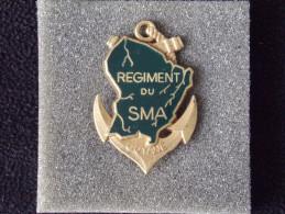 """Insignes Militaire """"S.M.A. - Service Militaire Adapté - GUYANE -  """"ENGINEER REGIMENT """" - RARE - Armée De Terre"""