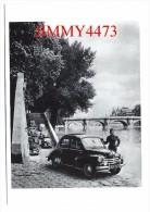 CPM POST CARD -  Voiture 4 CV Renault Par Robert DOISNEAU - Scans Recto-Verso - Edit. Hazan Paris 1995 - Doisneau