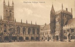 Magdalen Collège - Oxford - Carte Non Circulée - Oxford