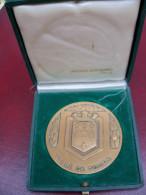 Médaille De Table  Bronze Ville De TOURS Dans Son écrin Arthus Bertrand - Professionnels / De Société