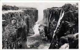 RHODESIA - The Casma At Victoria Falls, Gel. 1962, 2 D Marke, Ecke Bestossen - Ansichtskarten