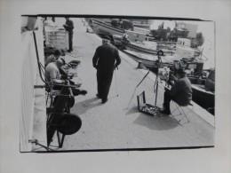Port Maritime Immatriculé TA, Artiste Peintre Au Travail, Facile à Situer ; Ref PH 08 - Ancianas (antes De 1900)