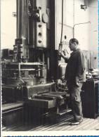 EX.YU. Croatia. Slavonski Brod. Worker At The Djuru Djakovic Factory. 14,5 X 10,5 Cm. - Professions