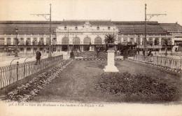 CPA LYON - GARE DES BROTTEAUX - LES JARDINS ET LA FACADE - Lyon