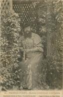 THAON LES VOSGES MADAME DELAIT FEMME A BARBE FAISANT DE LA DENTELLE  CACHET AU VERSO DE MME DELAIT - Thaon Les Vosges