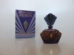 Passion - Elizabeth Taylor - Miniatures Modernes (à Partir De 1961)