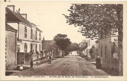 44 SAVENAY    ARRIVEE  PAR  LA  ROUTE  DE PONCHATEAU   LA  GENDARMERIE - Savenay