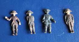 4 Soldats Miniatures En Métal Bronze Laiton Napoléon - Soldatini Di Piombo