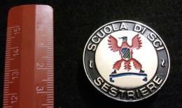 """04582 """"SCUOLA SCI SESTRIERE - DISTINTIVO METALL. SMALTI POLICROMI - DIAM. 36 MM"""" BADGE. ORIGINALE. - Sport Invernali"""