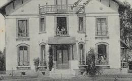 CPA 77 BOIS Le ROI Hermitage TBE (Couples Avec Chien Loulou à La Fenêtre) - Bois Le Roi