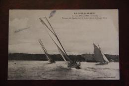 ARCACHON - Passage Des Régates Sur Le Bassin Devant Le Grand Hotel - Arcachon