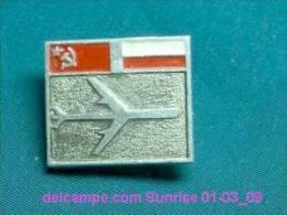 Soviet Airplane International Flying USSR - Poland / Soviet Badge _01-03_1122_09 - Luftfahrt