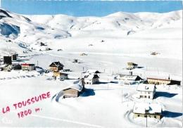 La Toussuire (Haute-Savoie) - Centre De La Station En Hiver - Vue Aérienne - Edition Combier - Carte CIM Non Circulée - Otros Municipios