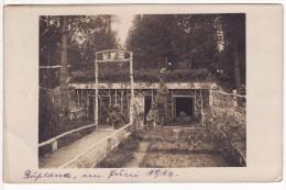 Carte Postale Photo Militaire Allemand RUSSIE-RUSSLAND Cimetière-Friedhof-Casematte-Abris B 1-Abri-Guerre 14/18-Krieg - Cimiteri Militari