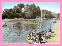 CPM  RIEC SUR BELLON  Port De Rosbras - France
