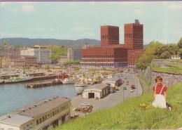 Norvège °° Oslo - L' Hôtel-de-Ville Et Port Marchand °° NEUVE - Norvège