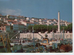 Port-Vendres.. Le Port L'Obélisque Bateaux Bateaux De Pêche - Port Vendres