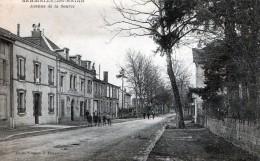 Cpa  (51) Sermaize-les-bains Avenue De La Source ( Tres Animee Devant Le Cafe Du Theatre Et Ra...) - Sermaize-les-Bains