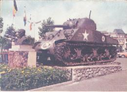 Bastogne Buste General Mac Auliffe Et Tank Postcard - Bastenaken
