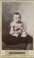 Algérie 1901--CDV-bébé Mention Au Dos Hissen-Photographgie Moderne  Paul Craveya 20 Rue D'Arzew à Oran - Alte (vor 1900)