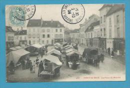 CPA 4337 - Marchands Ambulants La Place Du Marché CRECY-EN-BRIE 77 - Autres Communes