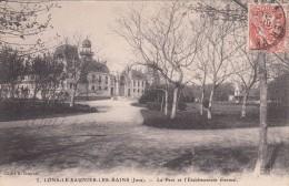 Cp , 39 , LONS-le-SAUNIER-les-BAINS , Le Parc Et L'Établissement Thermal - Lons Le Saunier