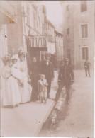 Photo Juin 1899 EMBRUN - Dans Une Rue (A127) - Embrun