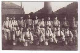 Carte-photo Dunkerque (59) - Militaires Du 127e R.I., Caserne Vincent (1912). B. état, A Circulé. - Dunkerque
