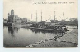 SAINT RAPHAËL - La Prise D'eau Douce Pour Les Torpilleurs. - Guerre