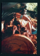 CAMEROON  -  Bali-Nyonga  Carving A Stool  Unused Postcard As Scan - Cameroon