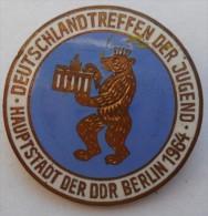 Deutschland Treffen Der Jugend - BERLIN 1964. East Germany DDR   PINS BADGES   C - Pin's