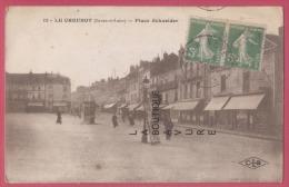 71 - LE CREUSOT--Place Schneider--animé - Le Creusot