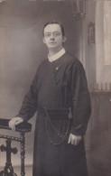 Oude Foto Fotokaart Pastoor Priester Old Photo Photocard Photograph Belgian Priest Pretre - Métiers