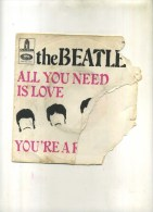 - THE  BEATLES . 45 T.I AM THE WALRUS . - Rock