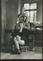Bauhaus Archiv Postcard,  Gerhard Marcks In Seinem Dornburger Atelier, 1925, 93 - Famous People