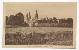 BAYEUX - LA CATHEDRALE - VUE SUR L' AURE - CPA VOYAGEE - Bayeux