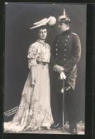 CPA Prinz Eitel Friedrich Von Preussen In Uniform Avec Seiner Braut - Royal Families