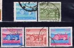 PK+ Pakistan 1978 Mi 466-67 469 473-74 Traktor - Pakistan