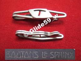 """Ancienne Pince à Cravate En Métal Argenté Avec Initiale """"T"""" (Boutons Le Sphinx) (années 40/50) - Accessories"""