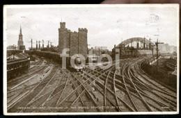 1934 POSTCARD RAILWAY TRAIN NEWCASTLE ON TYNE UK CARTE POSTALE STAMP TIMBRE - Trains