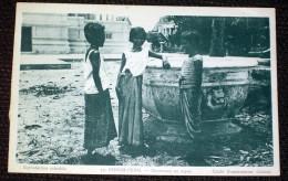 Danseuses Au Repos Cambodge Asie - CPSM Editions La MAison D´Art Colonial - Cambodia