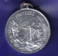 Médaille De 1906  59. Grand Fort Philippe Paroisse Notre Dame De Grace. - Religion & Esotérisme