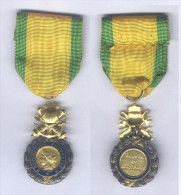 Médaille Militaire IVe République ( Variante 3 Etoiles ) - Médailles & Décorations