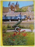 P647 14 ARROMANCHES PENICHE ET CANON DE DEBARQUEMENT 1970 2 SCANS - Arromanches