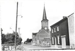 Les Isnes NA1: L'Eglise Et La Rue Jennay - Gembloux