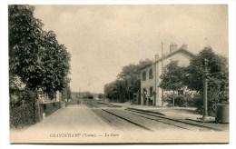 CPA  89  :  GRANDCHAMP    La Gare   A   VOIR   !!! - France