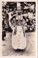 CP Photo Jeune Féticheuse D'Abomey    Collection G. LABITTE - Dahomey